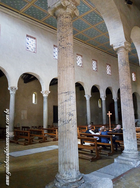 basilica colunas sao jorge velabro roma guia portugues - A basílica de São Jorge al Velabro em Roma
