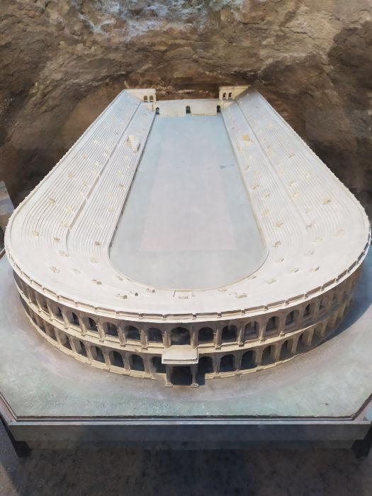 subterraneos navona maquete estadio domiciano - Subterrâneos da Praça Navona