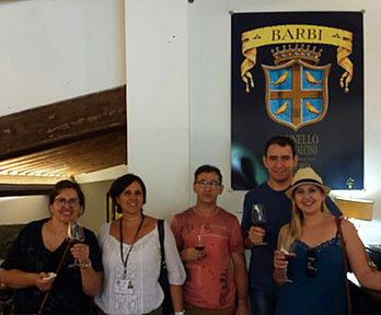 Degustação vinhos na Toscana com guia brasileira
