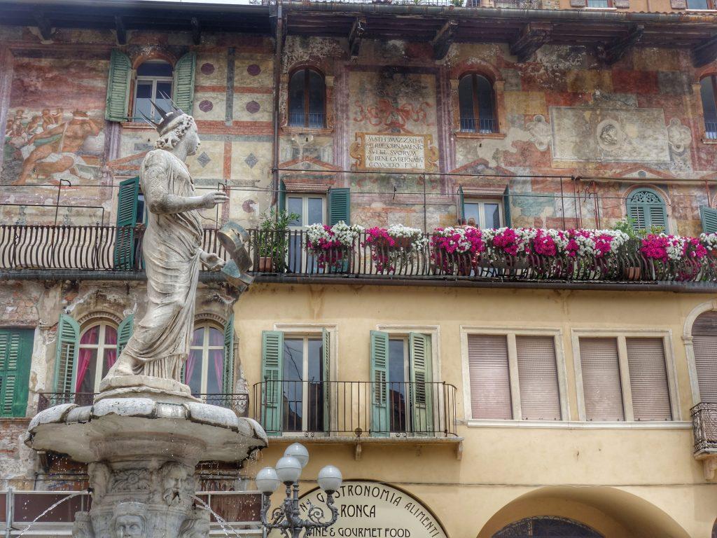praca das hervas verona guia particular 1024x768 - Verona sempre foi romântica