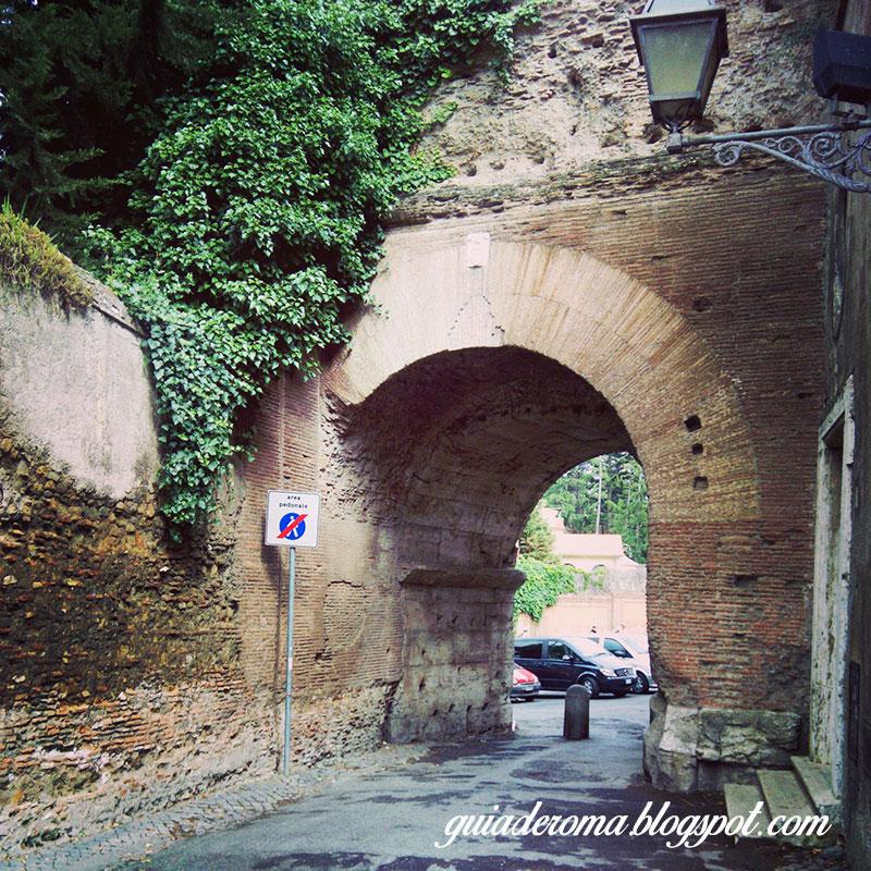 colina celio aqueduto romaemportugues - A colina Celio em Roma