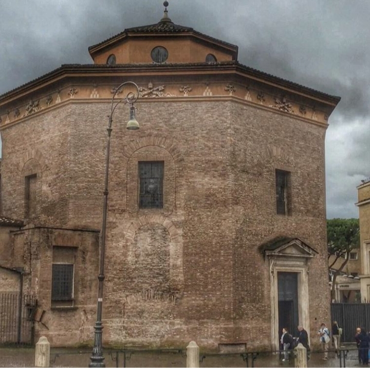 Batistério Catedral Roma, Roma em portugues