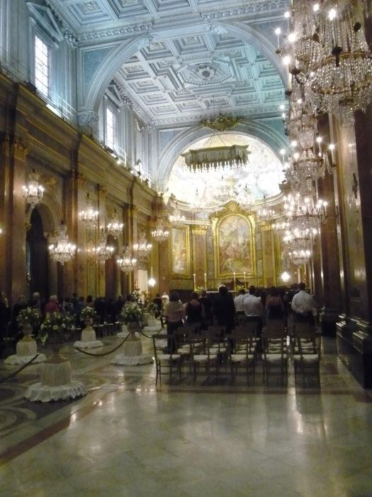 interior basilica santos joao paulo roma celio - Basilica Santos João e Paulo - Celio
