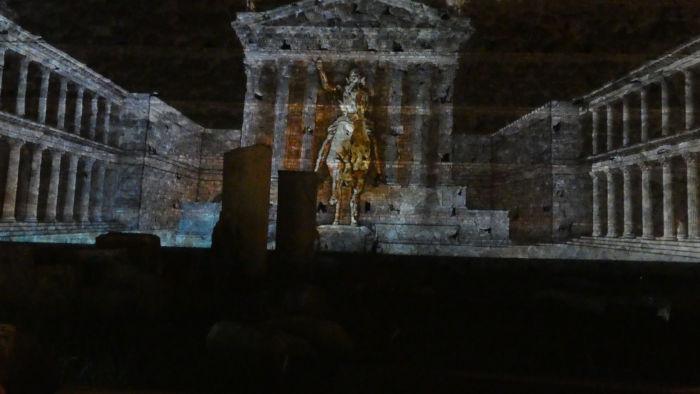 recontrucao forum cesar guia brasileira - Visitar o Fórum Romano de noite