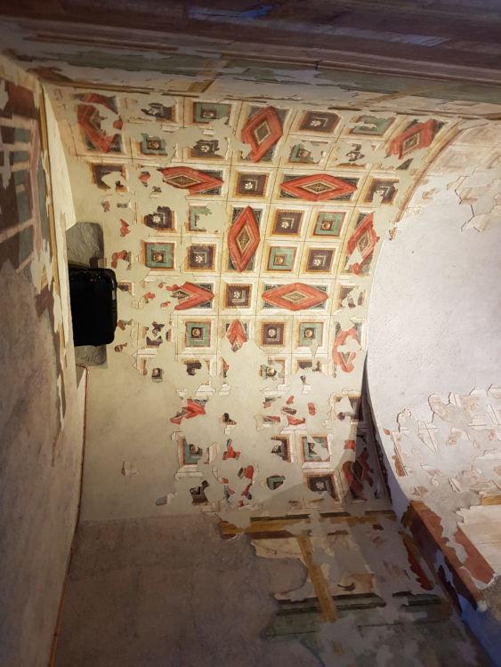 teto caixotoes gesso policromatico mansao augusto palatino guia brasilieira - Subterrâneos do Palatino
