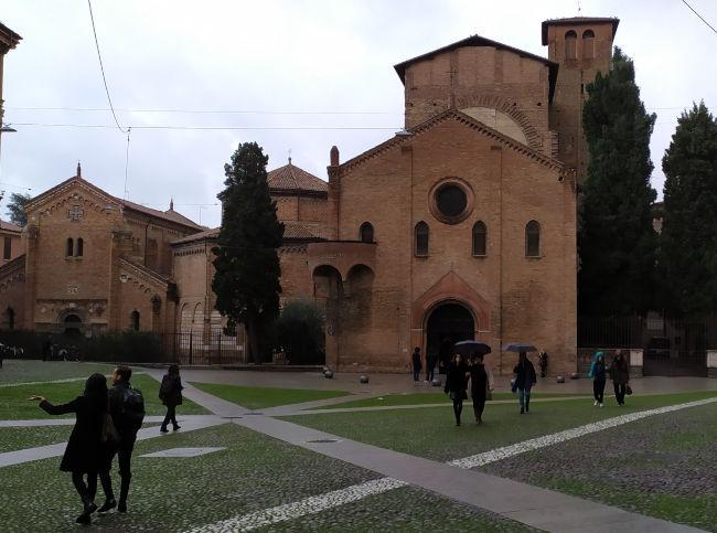 bolohna basilica santo estevao - Visitar Bolonha!