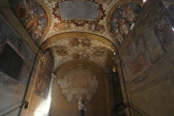 Visitar Bolonha: Escadaria de subida ao Teatro Anatõmico, Arquiginásio