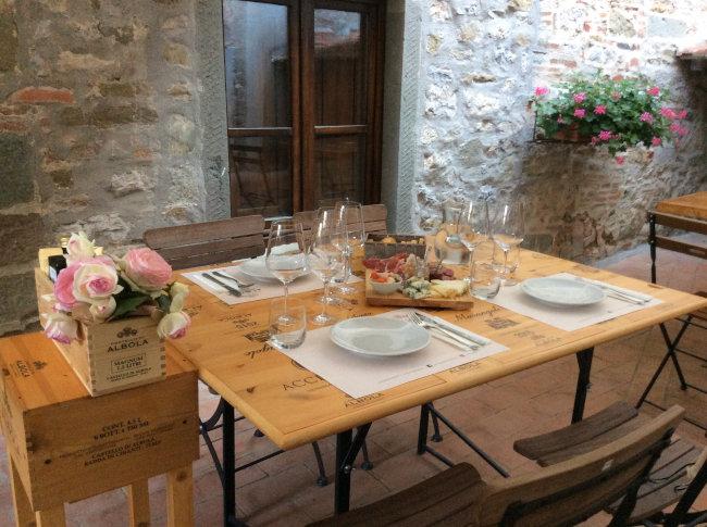 mesa posta degustacao vinhos chianti - Turismo na Toscana