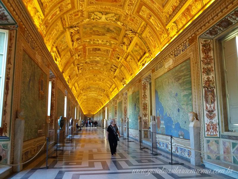 museus vaticanos antes abertura tetos - Passeios no Vaticano